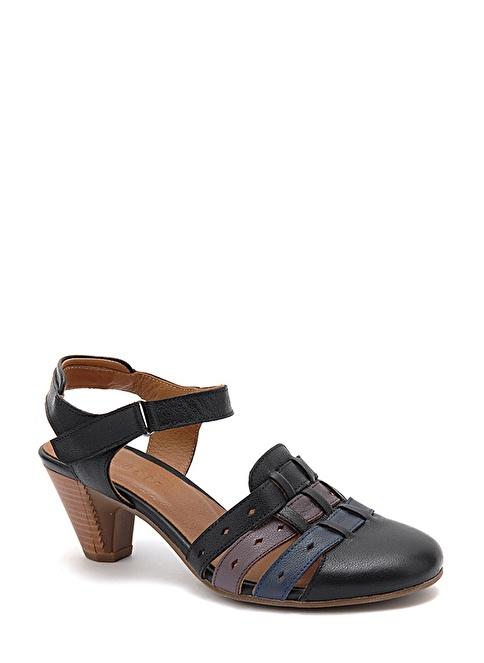 Beta Alçak Topuklu Deri Ayakkabı Siyah